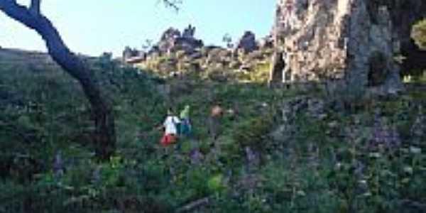 Subida da Pedra Grande em Igarapé-MG-Foto:igarapemg.
