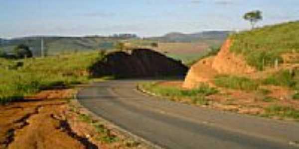 Estrada de Ilic�nea-Foto:wlmarques