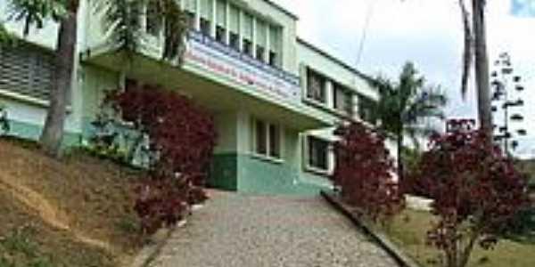 Faculdade de Estudos Sociais de Inhapim-Foto:alberthالله هو قوة.jpg2