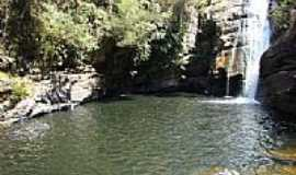 Ipoema - Ipoema-MG-Cachoeira do Meio-Foto:Carmoro