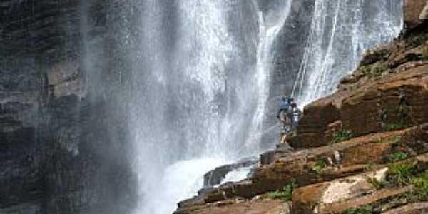 Rapel na Cachoeira Alta em Ipoema - por Jose Gustavo A.  Murta