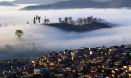 Itabira - Alvorecer em Itabira/MG Vista parcial do Bairro São Pedro, Por Terezinha Souza