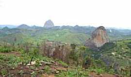 Itabirinha de Mantena - Pedra Boneca-Foto:decio coutinho