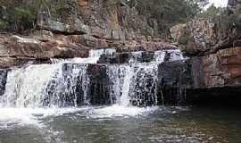Itacambira - Itacambira-MG-Cachoeira do Curiango-Foto:Pedro Maia