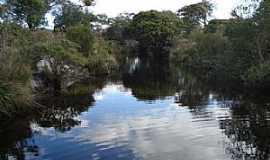 Itacambira - Itacambira-MG-Rio Ribeirão Preto-Foto:Vinícius Queiroga