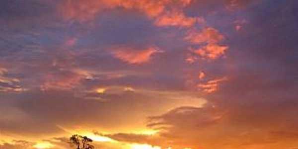Itaguara-MG-Lindo Pôr do Sol-Foto:Dennys R. C. Souza