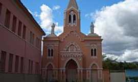 Itambacuri - Igreja Santa Clara  , por robss78