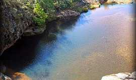 Itambé do Mato Dentro - Itambé do Mato Dentro-MG-Cachoeira da Serenata-Poço abaixo da 2ª queda-Foto:chicotrekking.com.br