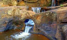 Itambé do Mato Dentro - Itambé do Mato Dentro-MG-Cachoeira do Funil-Foto:chicotrekking.com.br