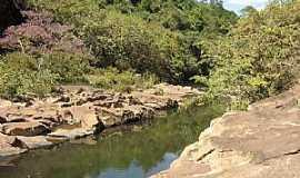 Itapanhoacanga - Rio Santo Antônio - por Alessandro Borsagli