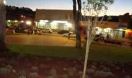Itatiaiuçu - paisagem da praça, Por simone de matos leite