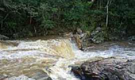 Itaúna - Itaúna-MG-Corredeira no rio São João-Foto:Délio de Lemos