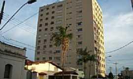 Ituiutaba - Edificio Domingos José Franco em Ituiutaba - MG - Por MarcosM