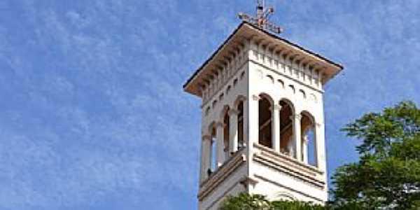 Ituiutaba-MG-Torre da Catedral de São José-Foto:Parruco