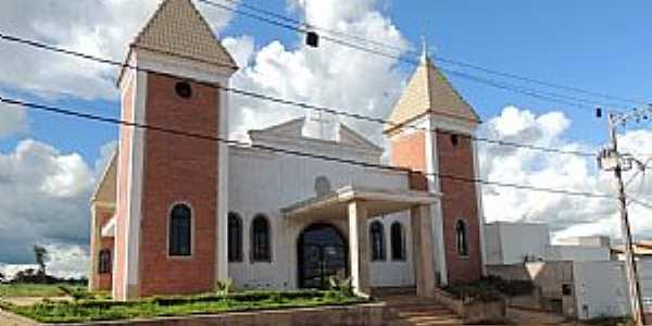 Iturama-MG-Igreja de N.Sra.Aparecida-Foto:x17