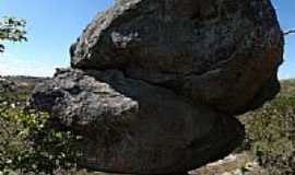 Itutinga - Pedra Equilibrada foto por Paulo Gaia