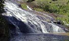 Jacarandira - Cachoeira em Jacarandira-Foto:newprofile0