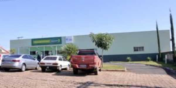 Frente do Hospital de Jacuí-MG, Por Edson dos Santos Clarismunde