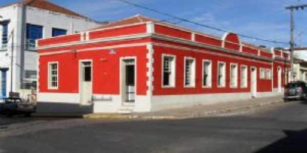 Biblioteca Municipal, Por Odval Ap. Bertolassi