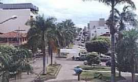 João Pinheiro - Praça Manoel Lopes Cançado-Foto:cleiton_vidalokap2