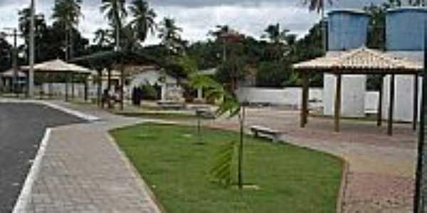 Praça Eugênio Alves Ribeiro em Açu da Torre-Foto:matadesaojoao.ba.