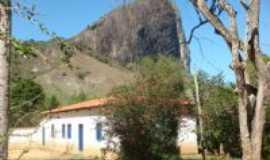 Ladainha - Ladainha-MGCasa e pedra-Foto:Milton Turíbio Gomes