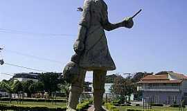 Lagoa da Prata - Lagoa da Prata-MG-Monumento em homenagem aos cortadores de café-Foto:Aender
