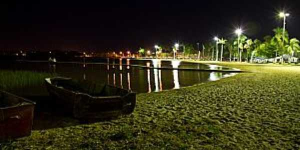 Lagoa da Prata-MG-Vista noturna da Lagoa Municipal-Foto:André Laine