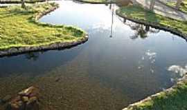 Lagoa Grande - Lago na Pra�a Adauto ara�jo em Lagoa Grande-Foto:SILVANO NATAL MDS