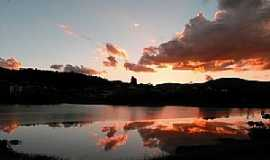 Lambari - Lambarí-MG-Pôr do Sol no Lago Guanabara-Foto:mmaximiano