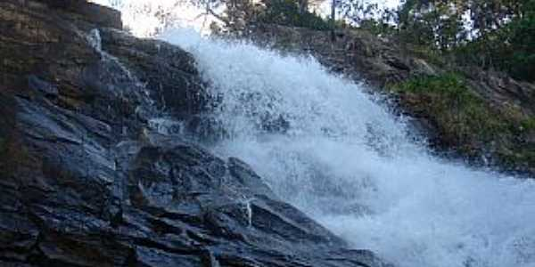 Lambar�-MG-Cachoeira do Roncador-Foto:mapio.net