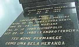 Leandro Ferreira - Túmulo de Padre Libério
