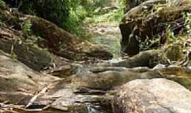 Leme do Prado - C�rrego Santo Ant�nio em Leme do Prado-MG-Foto:Enio FSR