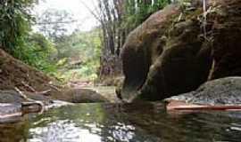 Leme do Prado - Córrego Santo Antônio em Leme do Prado-MG-Foto:Enio FSR