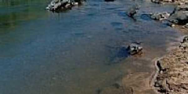 Rio Araçuaí em Leme do Prado-MG-Foto:Tiago Casarim Pessal…