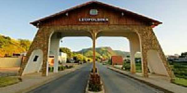 Pórtico de entrada de Leopoldina-Foto:sgtrangel