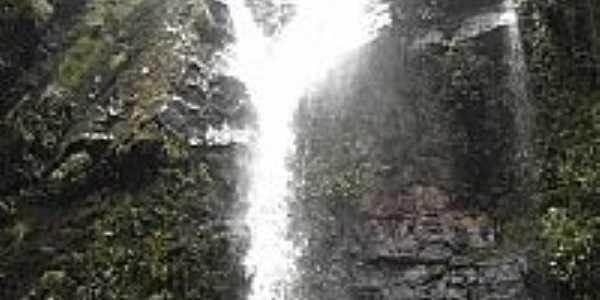 Cachoeira do Y em Lima Duarte-MG-Foto:Marcio Lucinda
