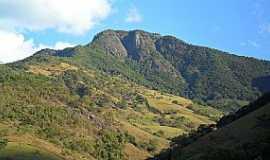 Lourenço Velho - Lourenço Velho-MG-Pedra de Santa Rita-Foto:Py4nf
