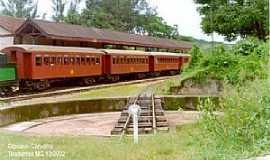 Macaia - Macaia-MG-Antiga Estação Ferroviária que foi submersa pela Represa-Foto:Estações Ferroviárias