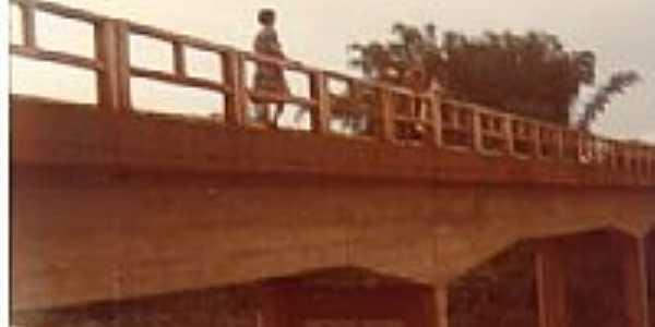 Ponte sôbre o Rio Areado-Foto:rmota100