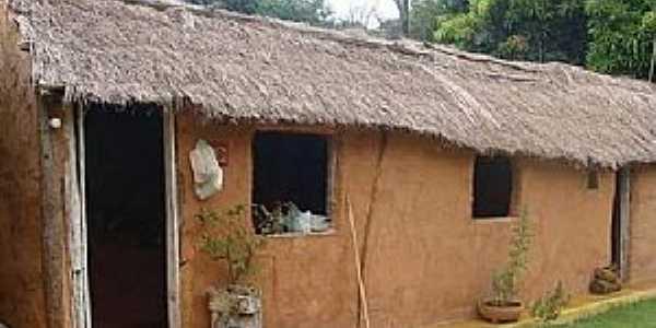 Afrânio Peixoto-BA-Casa típica do Distrito-Foto:Facebook