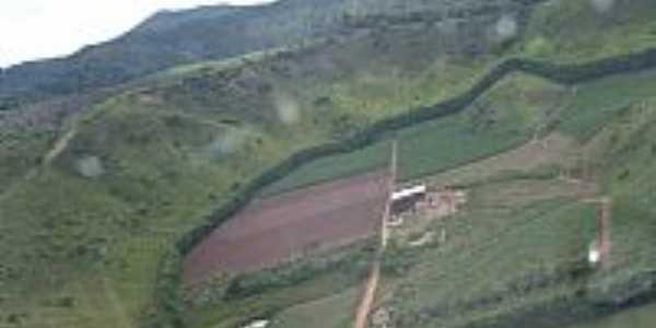 Malacacheta-MG-Fábrica de Cachaça-Foto:gomesmalaca