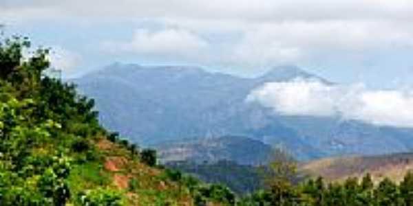 Vista parcial da Serra do Caparaó e ao fundo Pico da Bandeira-Foto:sgtrangel