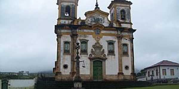 Mariana-MG-Igreja do Carmo-Foto:Josue Marinho