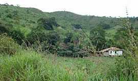 Marilac - Marilac-MG-Fazenda na estrada-Foto:Izaides