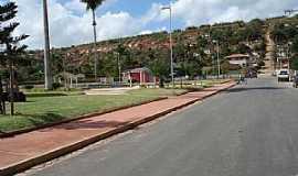 Marilac - Marilac-MG-Pracinha na entrada da cidade-Foto:Izaides