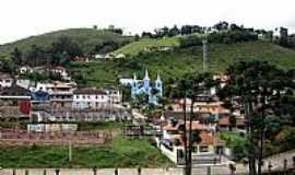 Marmelópolis - Marmelópolis-MG-Vista da Igreja com a serra ao fundo-Foto:Cesar Ribeiro Jr.