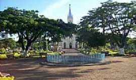 Martinho Campos - Praça e Igreja Matriz N.Sra.D´Abadia-Foto:alexandre/mundo