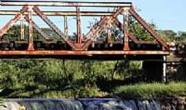Martins Guimarães - Ponte de Ferro-Foto:brunofurtado