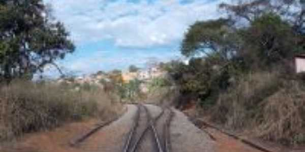 Estrada férrea em Mateus Leme, Por Isa